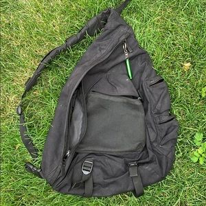 GAP ONE SHOULDER BLACK SCHOOL BAG/BACKPACK